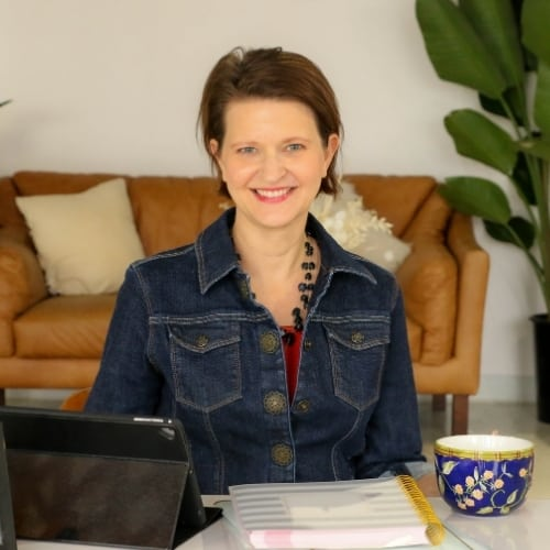 Picture of Heather at Desk